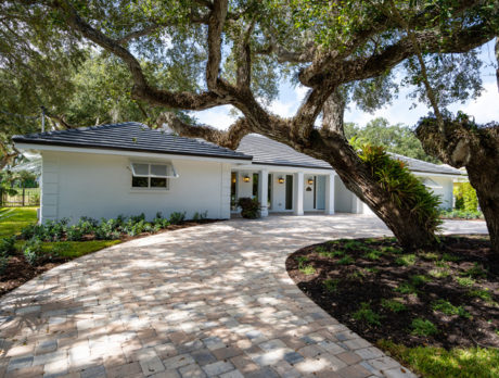Renovated Old Riomar home enjoys beautiful golf course views