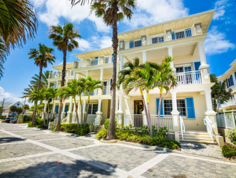 Gorgeous Ocean Park townhome, ideally located, has it all