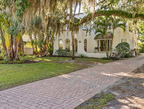 Classic, 'one-of-a-kind' Royal Palm Place home on market